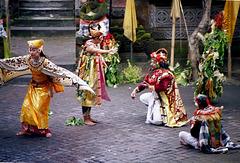 Bali.  Batu Bulan, Barong Tanz 5. ©UdoSm