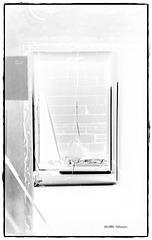 Fensterblick - vermauert  - negativ