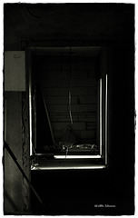 Fensterblick - vermauert  - positiv