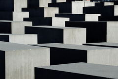 Holocaust-Mahnmal Berlin (© Buelipix)
