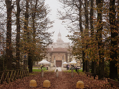 La Certosa di Pavia vestita d'autunno