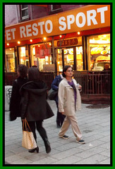 Gourmet chinese Lady in high heels - Recadrage