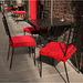 5 Rote Stühle