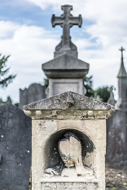 PHOTOGRAPHING OLD GRAVEYARDS CAN BE INTERESTING AND EDUCATIONAL [THIS TIME I USED A SONY SEL 55MM F1.8 FE LENS]-120248