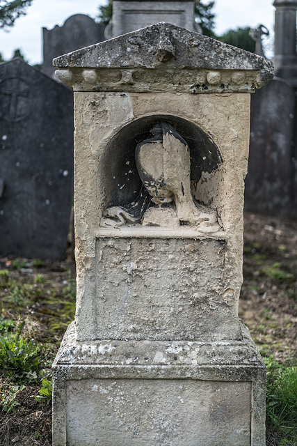 PHOTOGRAPHING OLD GRAVEYARDS CAN BE INTERESTING AND EDUCATIONAL [THIS TIME I USED A SONY SEL 55MM F1.8 FE LENS]-120247