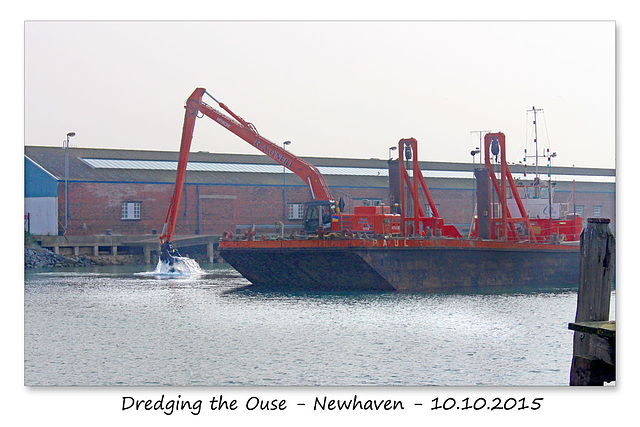 Dredging the Ouse - Newhaven - 10.10.2015
