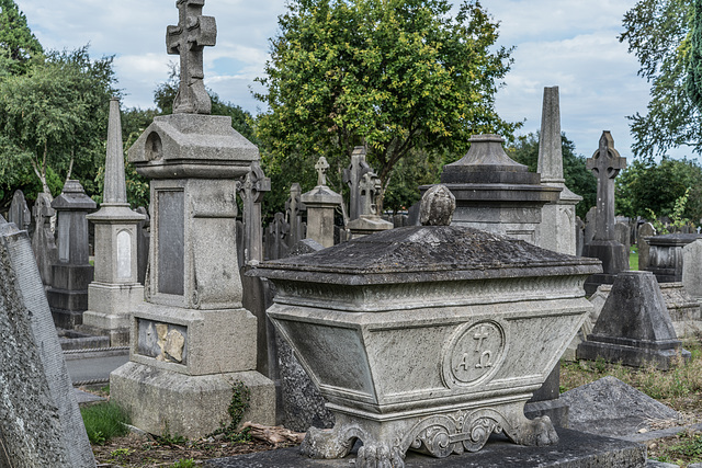 PHOTOGRAPHING OLD GRAVEYARDS CAN BE INTERESTING AND EDUCATIONAL [THIS TIME I USED A SONY SEL 55MM F1.8 FE LENS]-120243