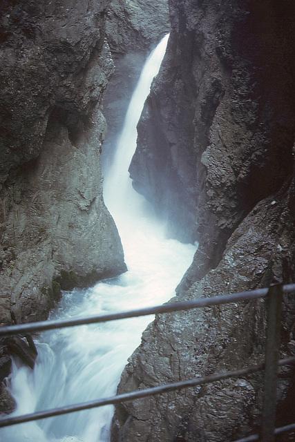 Lautascher Geister klamm  waterfall   1988