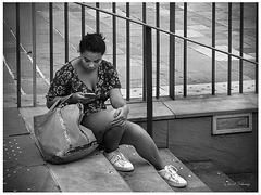 Damoisele et l'aiill phone1...