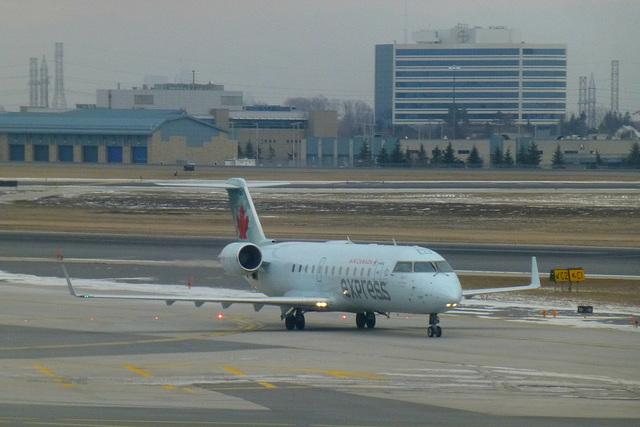 Air Canada Express CRJ-100 at Toronto - 24 January 2016