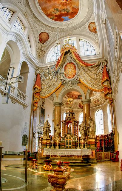 Füssen: Kirche St. Mang. Hauptaltar. ©UdoSm