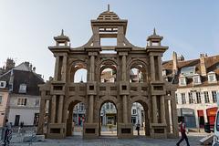 BESANCON: Place de la Révolution: Reconstitution de l'Arc de Triomphe en carton 04