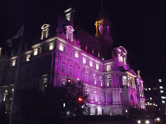 22h52.....l'heure municipale se manifeste en couleurs...