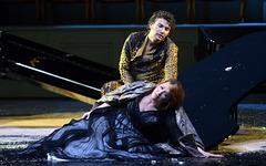 """""""BEGEGNUNG"""" mit EMILY MAGEE als Ariadne und JONAS KAUFMANN als Bachus in der Oper ARIADNE AUF NAXOS von Richard Strauss im Haus für Mozart zu den Salzburger Festspielen 2012,"""