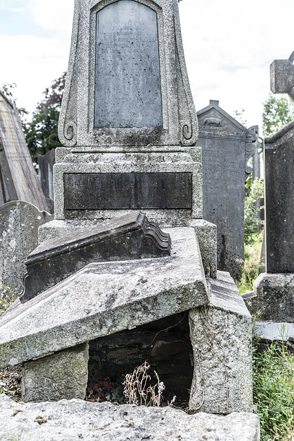 PHOTOGRAPHING OLD GRAVEYARDS CAN BE INTERESTING AND EDUCATIONAL [THIS TIME I USED A SONY SEL 55MM F1.8 FE LENS]-120223