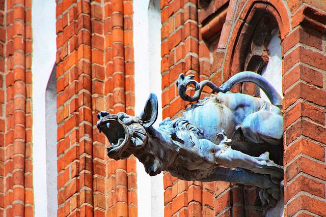 Altentreptow, Wasserspeier an der Kirche