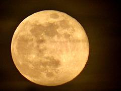 Full Moon at Full Zoom