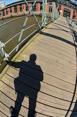 Brücken-Schatten...
