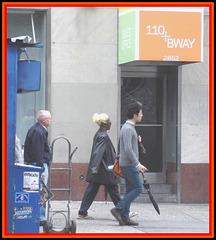 Blonde dye in mac black Lady / Dame Bway noire en blonde