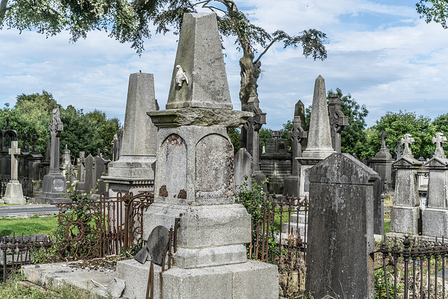 PHOTOGRAPHING OLD GRAVEYARDS CAN BE INTERESTING AND EDUCATIONAL [THIS TIME I USED A SONY SEL 55MM F1.8 FE LENS]-120217