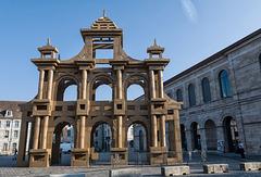BESANCON: Place de la Révolution: Reconstitution de l'Arc de Triomphe en carton 12