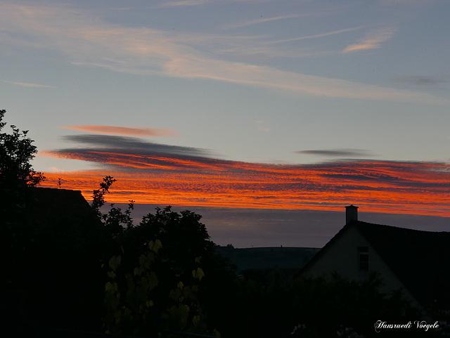 Abendrot über dem Schwarzwald  gesehen in Neunkirch SH
