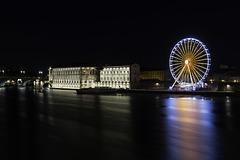 TOULOUSE, la Garonne et l'Hôtel Dieu avec la grande Roue.
