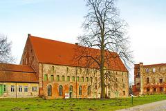 Dargun, Kloster- und Schlossruine, Korn- und Brauhaushaus