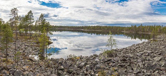 A nameless lake in Vätsäri wilderness
