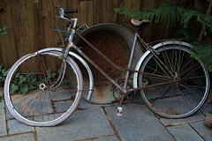 Tu nous bassines avec ton vélo pourri