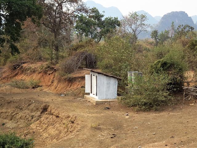 WC 100% nature (Laotian toilets)