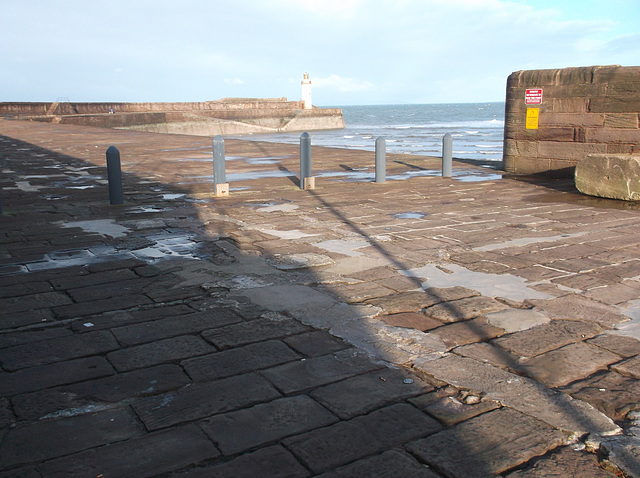 whn - points on west pier