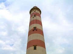 The lighthouse is slave of those you lighten the lamps