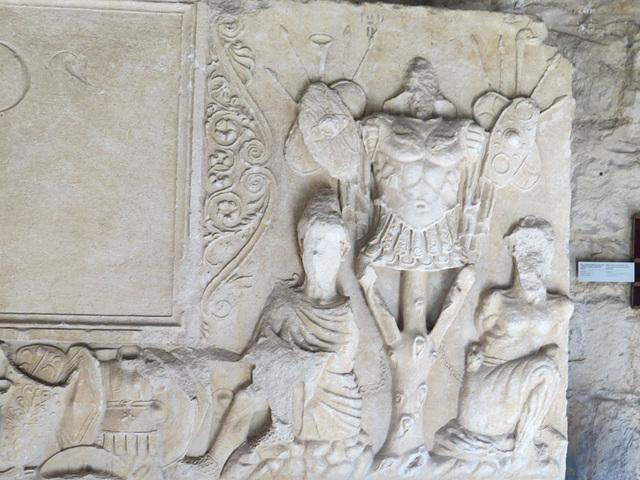 Musée archéologique de Split : représentation de trophée.