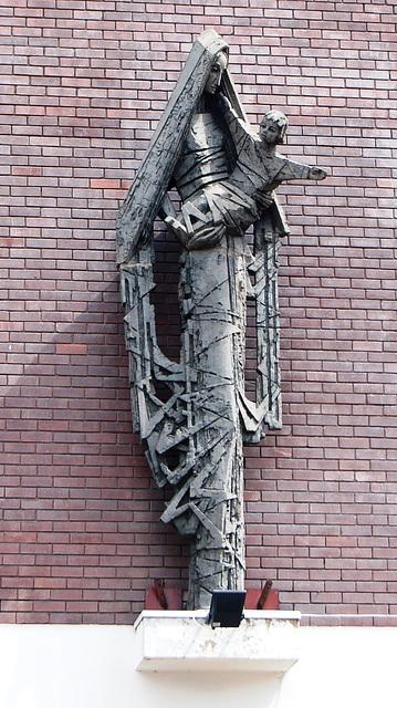 Mother and Child by Tadeuz Zielinski, Katyn House, Bordesley Street, Birmingham