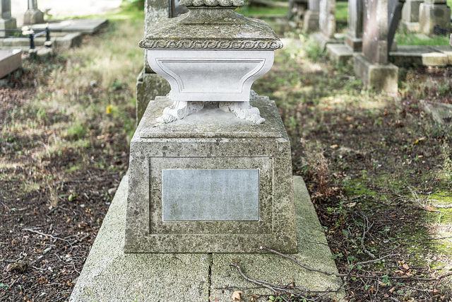 PHOTOGRAPHING OLD GRAVEYARDS CAN BE INTERESTING AND EDUCATIONAL [THIS TIME I USED A SONY SEL 55MM F1.8 FE LENS]-120199