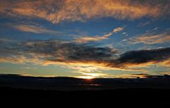 ce soir, le ciel est grandiose au coucher du soleil
