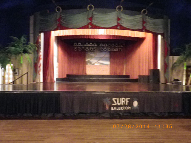 Surf Stage
