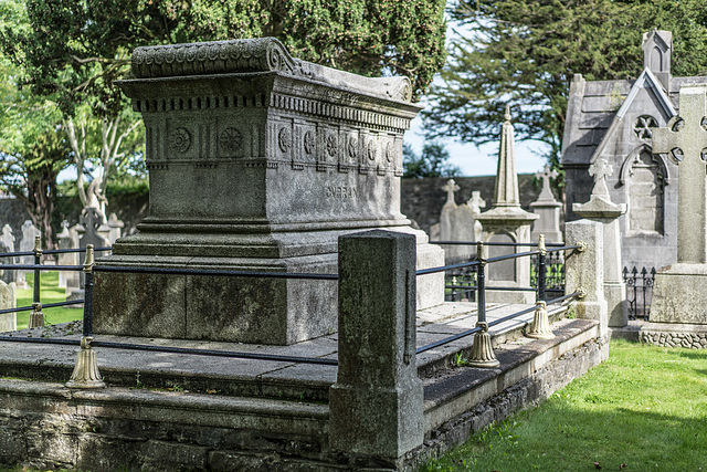 PHOTOGRAPHING OLD GRAVEYARDS CAN BE INTERESTING AND EDUCATIONAL [THIS TIME I USED A SONY SEL 55MM F1.8 FE LENS]-120191