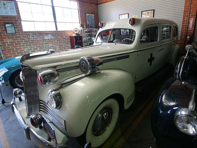 1942 Packard Henney Ambulance (5003)