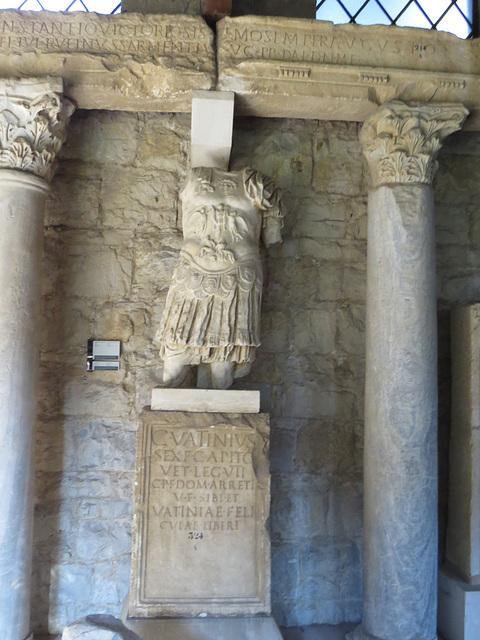 Musée archéologique de Split : CIL III, 8764, p. 1475.