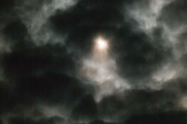 Total Solar Eclipse 09 March 2016 - Indonesia - Belitong - Pantai Burung Mandi -  Clouded Diamond Ring at 3rd Contact