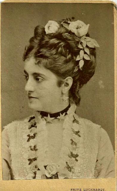 Adelina Patti by Luckhardt (18)