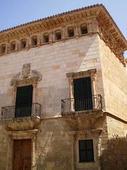 Can Saura (Saura Palace).