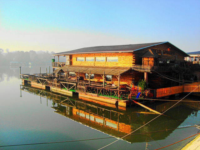 Restaurant on the water