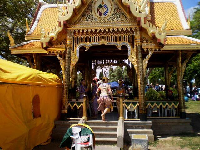 Thai dancers in Princess Maha Chakri Pavilion.