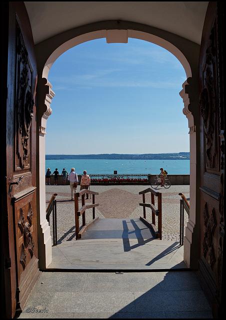 Blick aus der Eingangspforte der Birnau