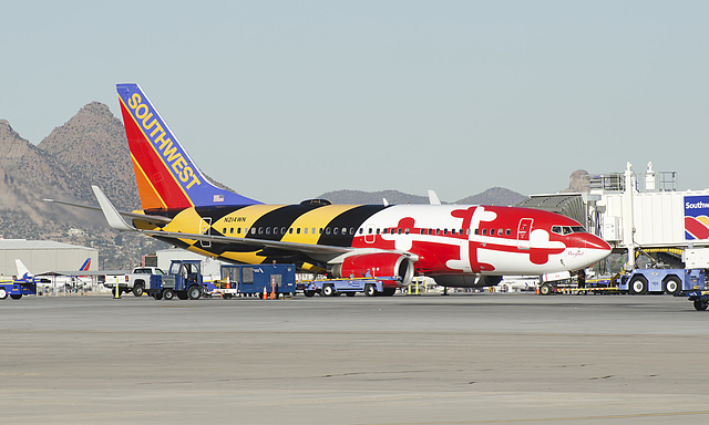 """Southwest Airlines Boeing 737 N214WN """"Maryland One"""""""