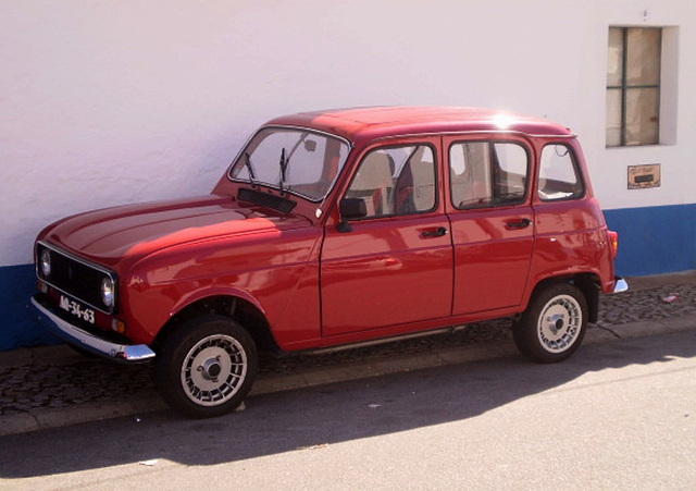 Renault 4 (1986).