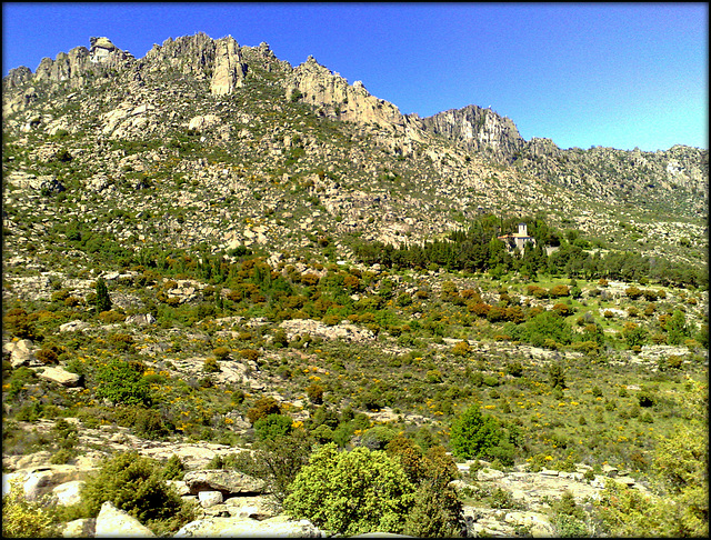 La Sierra de La Cabrera granite (and monastery). The joy here is to follow the ridge as closely as possible. So, time permitting, I do just that!